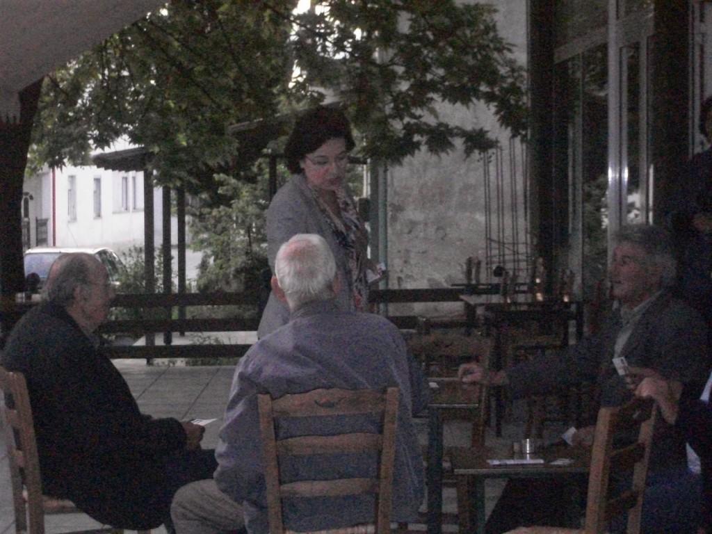 Στη Σωσσάνδρα συζήτηση με τους κατοίκους του χωριού
