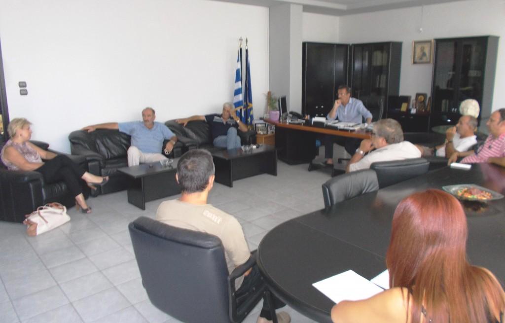 Σύσκεψη-Αγροτικές Ενώσεις-Εμπά ργκο